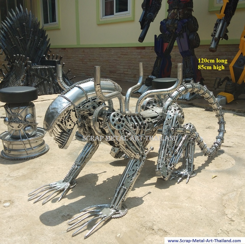 alien table, in silver chrome