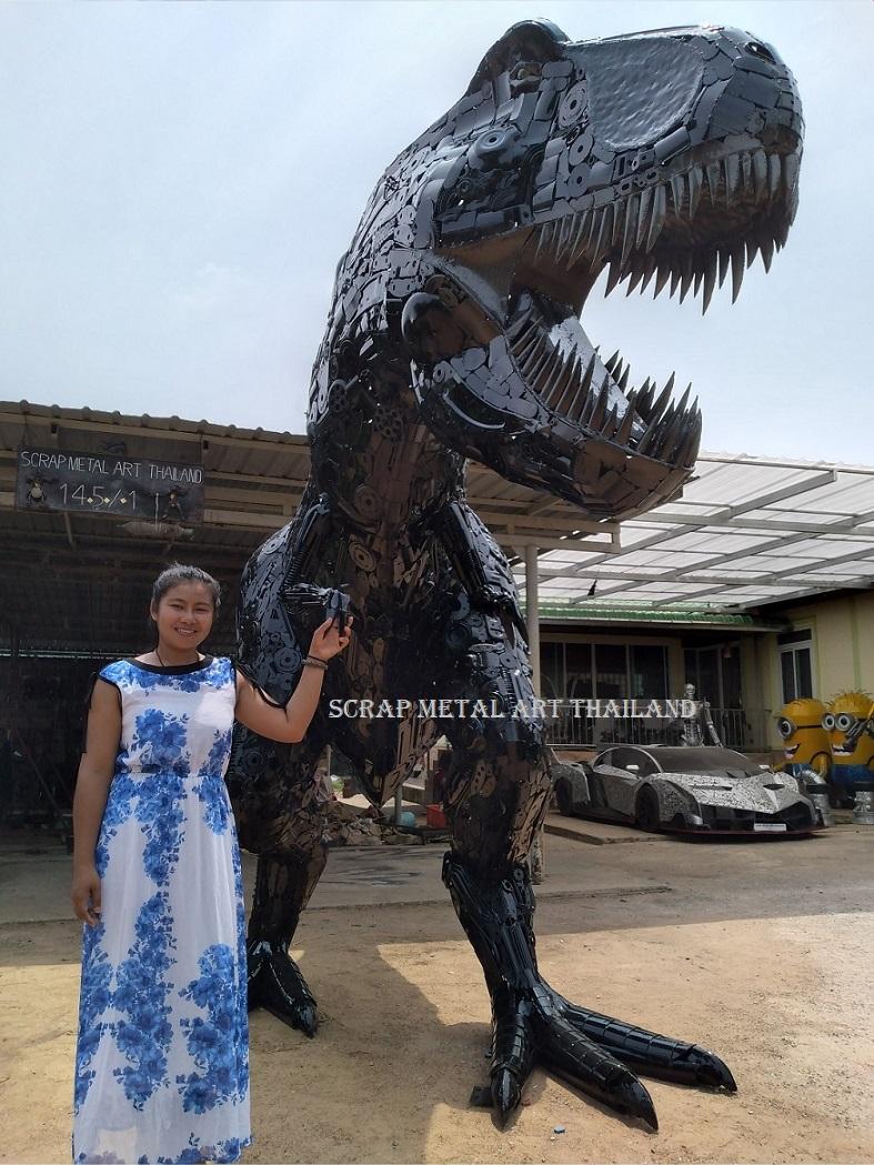 life size T-Rex dinosaur statue, scrap metal animal art Dino sculpture