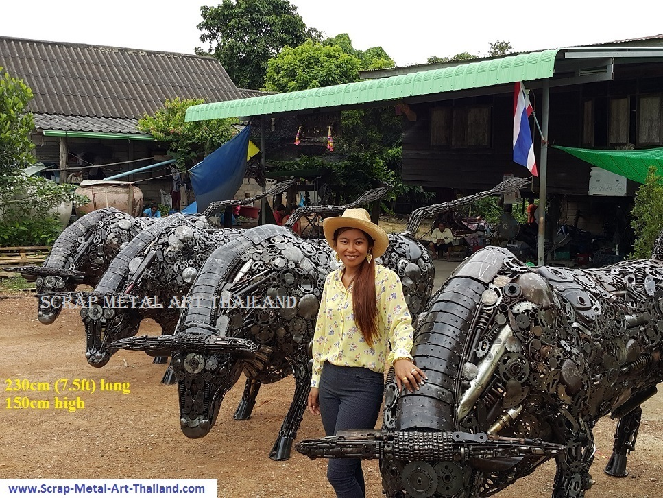 Bull Statues Sculptures for sale, Life Size Metal Animal Yard and Garden Art from Thailand