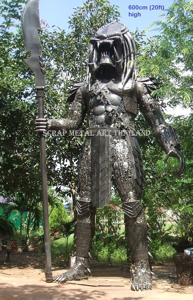giant predator figure statue replica sculpture