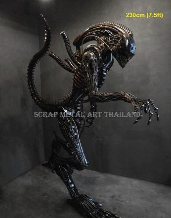 Alien Prop Statues Life Size Figures Sculptures Metal Replicas  for sale