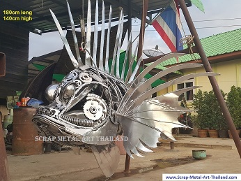 Giant lionfish sculpture/statue life size animal metal art