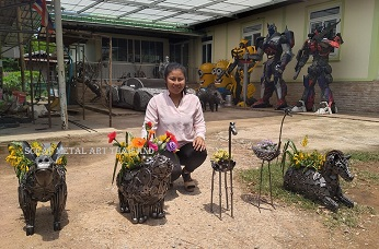 metal plant stands animal art indoor outdoor made in thailand for sale