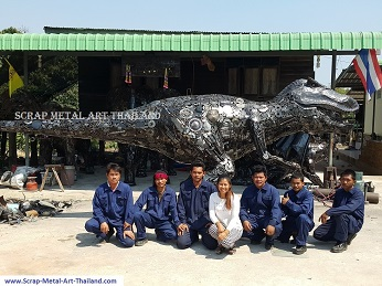 The team from scrap metal art thailand in 2016
